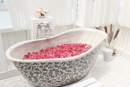Small Bathroom Tub
